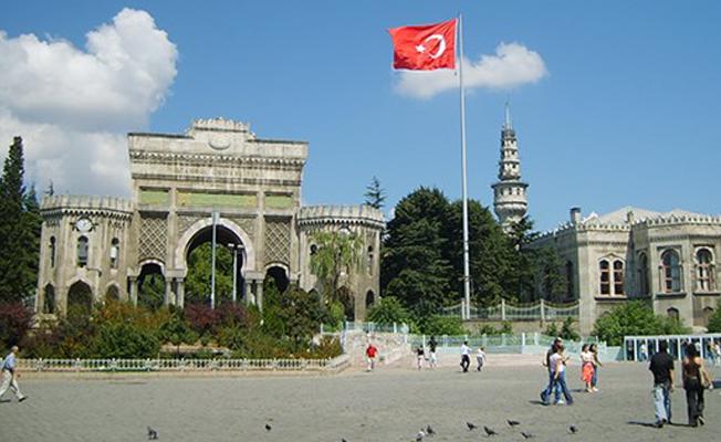 İstanbul Üniversitesi'nde 10 Ekim anmasına polis müdahalesi: Gözaltılar var