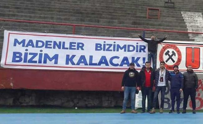 Zonguldak Kömürspor'un madenci pankartları 'siyasi içerik' gerekçesiyle tribünden indirildi
