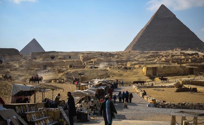 Büyük Giza Piramidi'nde yeni keşif