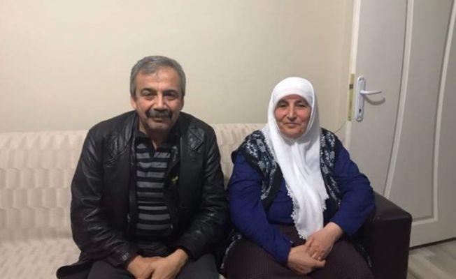 Cenazesine katılmak 'suç' sayılmıştı: HDP'li Önder'den Eroğlu'nun ailesine ziyaret
