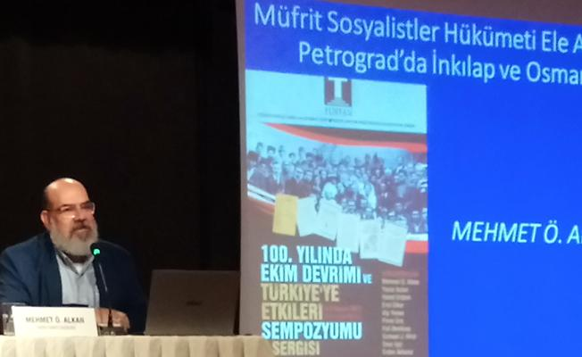Ekim Devrimi'nin Türkiye'ye etkileri İzmir'de tartışıldı