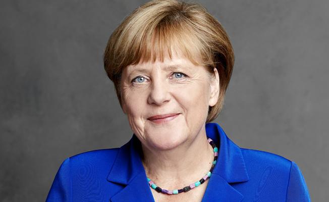 Erken seçime gidilirse Merkel yeniden aday
