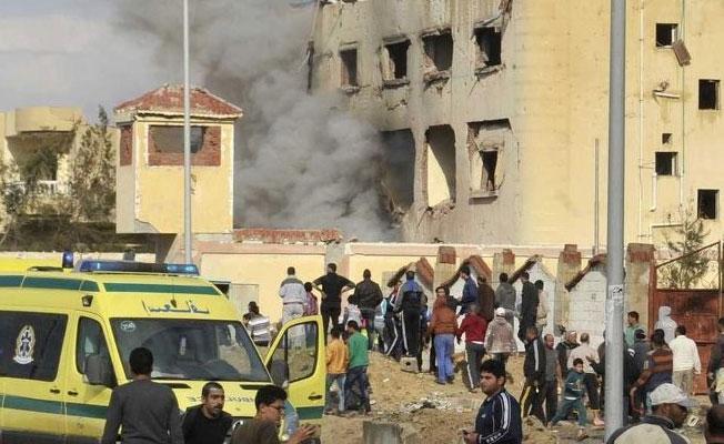 Mısır'da cuma namazına bombalı saldırı: Çok sayıda ölü ve yaralı var
