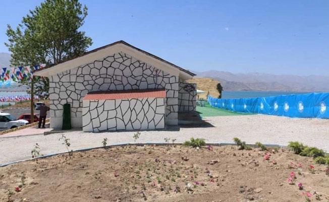 Van'da Ermeni mezarlığı üzerine dikilen tuvalet kaldırılacak