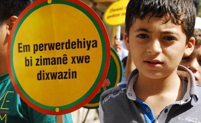 Anayasa Mahkemesi, Eğitim Sen'i haklı buldu: 'Anadilde eğitim' afişlerine verilen cezayı bozdu