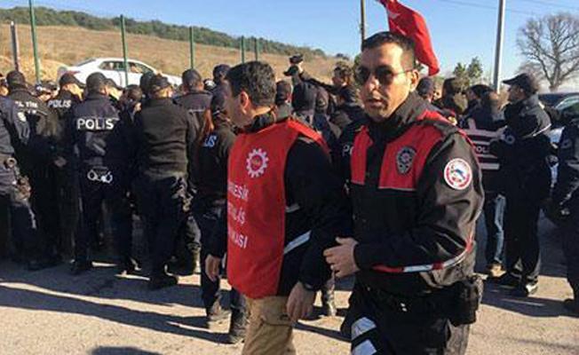 Ankara'ya yürümek isteyen işçilere polis müdahalesi