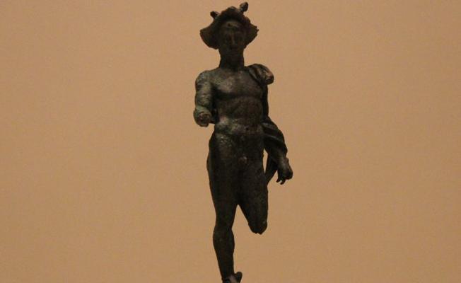 Çorum'da tesadüfen 2 bin yıllık Hermes heykeli bulundu