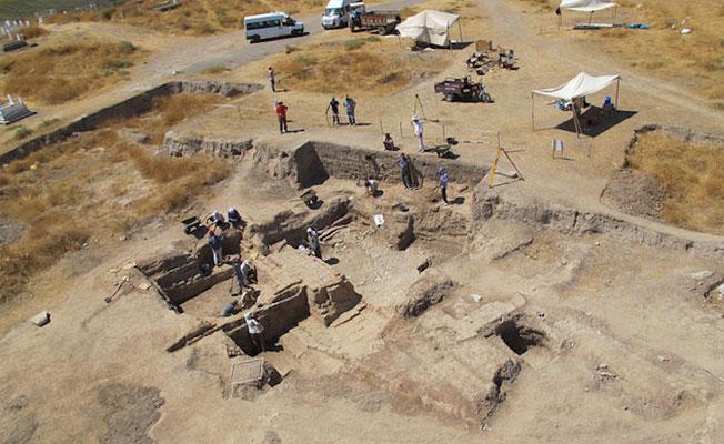 Diyarbakır'da Asur'un yıkımını anlatan tablet bulundu