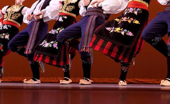 Macaristan'a kaçan folklor ekibi sahte evrakla gitmiş
