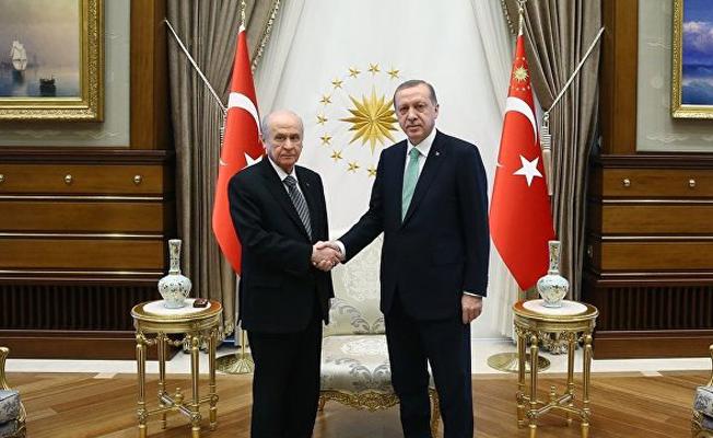 AKP tek liste MHP iki liste istiyor