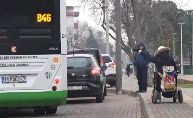 Belediye otobüsü engelli yolcuyu almadı