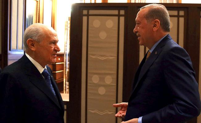 CHP'den Bahçeli'ye: 'Saray ittifakı' kurdu; taşerondu kadrolu oldu