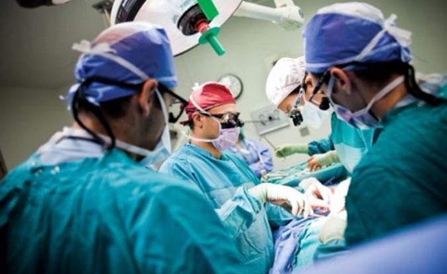HIV'li kadının doğumuna girmeyen doktorlara soruşturma başlatıldı