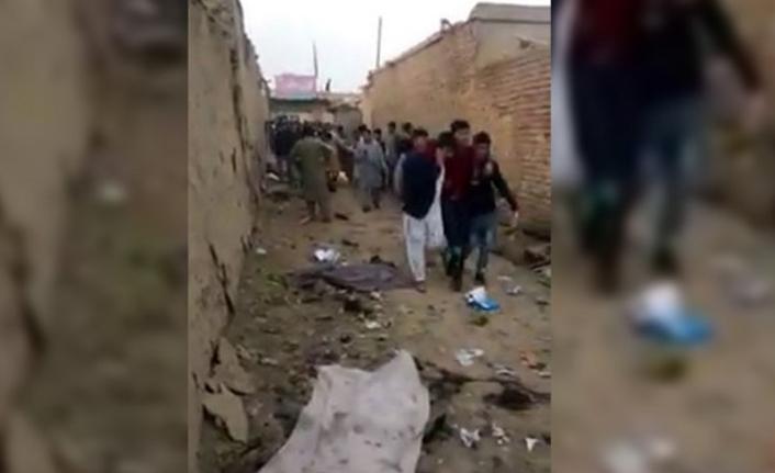 Afganistan'da bombalı saldırı: 13 ölü