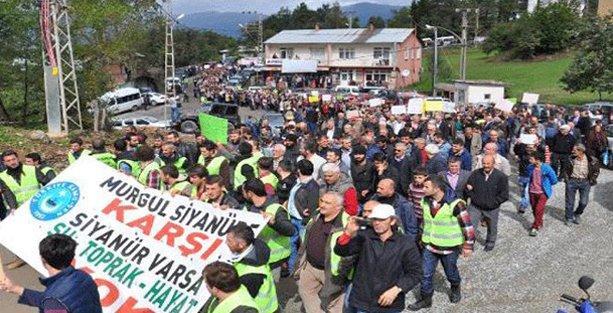 3 bin kişi siyanüre karşı yürüdü