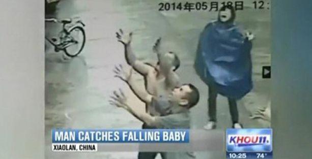 3. kattan düşen bebeği böyle kurtardılar