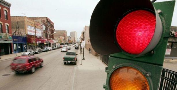 3 kez kırmızı ışık ihlali ehliyetten edecek