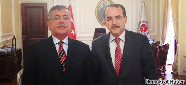 40 yıllık CHP'li belediye başkanı AKP'ye geçti
