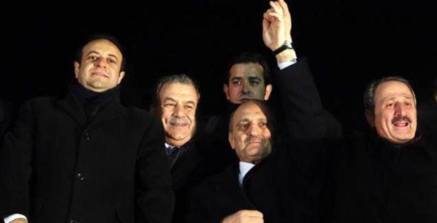 Meclis yolsuzluk iddiaları olan 4 bakanı da akladı