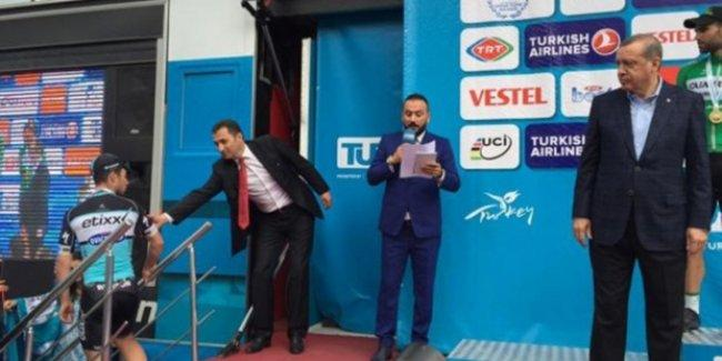 51. Cumhurbaşkanlığı Bisiklet Turu'nda Erdoğan'a protesto