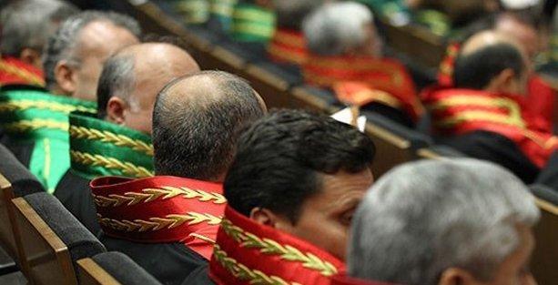888 hâkim ve savcının görev yeri değiştirildi