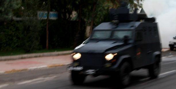 7 yaşındaki çocuğa polise ait zırhlı araç çarptı