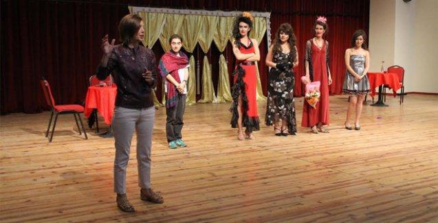 '80'lerde Lubunya Olmak' İzmirlilerle buluştu
