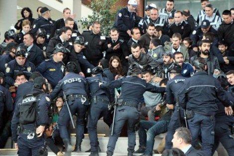Abant İzzet Baysal Üniversitesi'nde 45 öğrenciye gözaltı