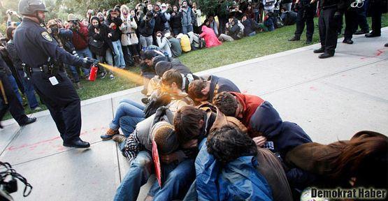 ABD'de biber gazı sıkılan gençlere 1 milyon dolar