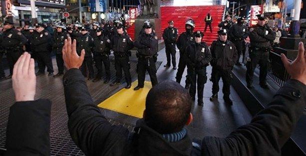 ABD'de polis bir siyahı daha vurdu