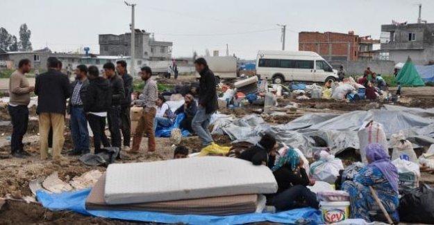 Adana'da Kobanili ailelere saldırı