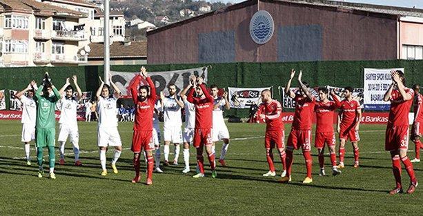 Adana Demirspor Beşiktaş'ı 2-1'le geçti