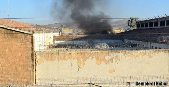 Adana M Tipi Cezaevi'nde yangın