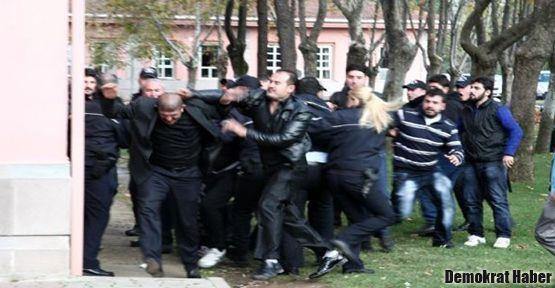Adliye'de bıçaklı sopalı kavga: 30 yaralı