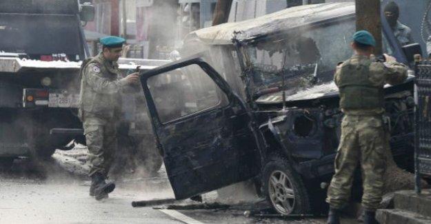 Afganistan'da Türkiye elçiliği aracına intihar saldırısı