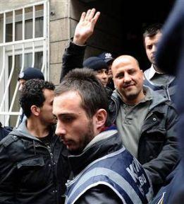 Ahmet Şık: Dostum da düşmanım da beni tanır