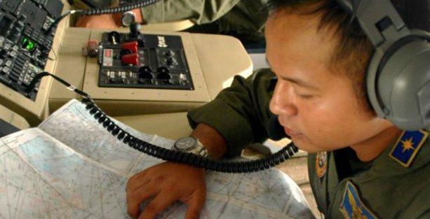 Arama-kurtarma ekipleri: Kayıp AirAsia uçağı denizin dibinde olabilir
