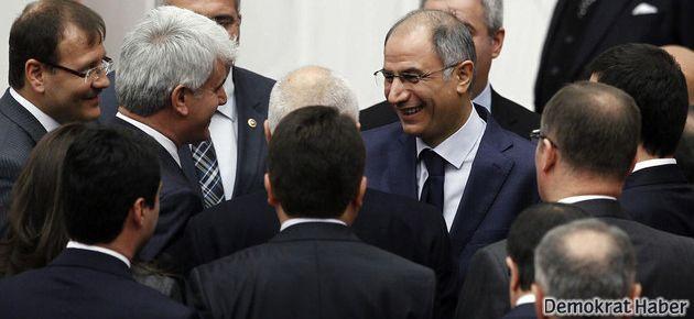 AK Parti'de üç istifa daha