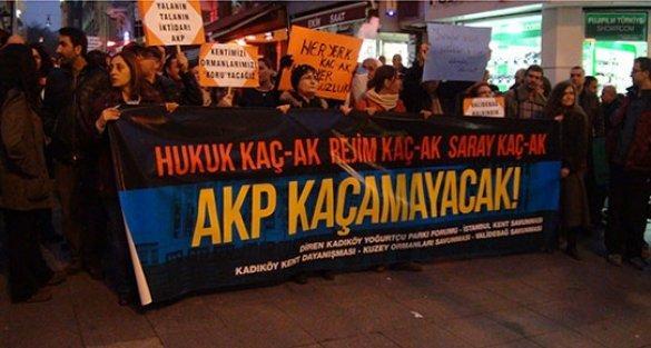 'Ak Saray' Kadıköy'de protesto edildi: 'Saraylar sizin, sokaklar bizim'