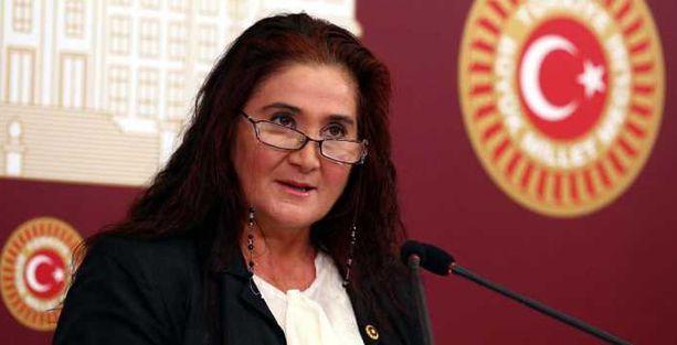 Akkiraz: AKP'den önce biz Aleviler kendimize 'Kızılderili' diyorduk