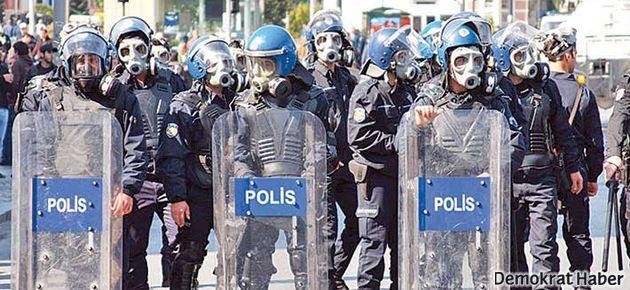 'AKP-Cemaat kavgasına yakalanan Türk polisi'