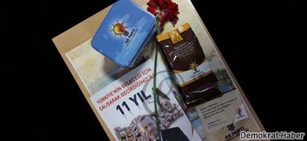 AKP Kadıköy'de 'kahve ve karanfil'le oy istiyor