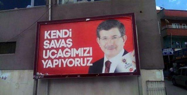 AKP'nin 'Kendi Savaş Uçağımızı Yapıyoruz' afişleri tepkiler üzerine kaldırıldı