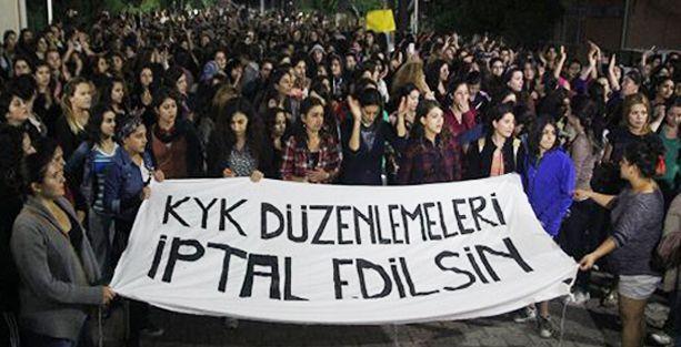 AKP'yi eleştiren öğrenciye yurt yok!