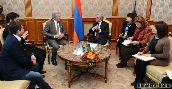 Alain Delon Ermeni soykırımını kınadı