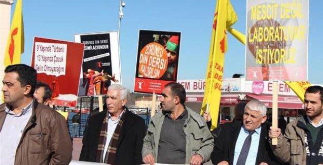 Alevi derneklerinden eğitim sistemine protesto