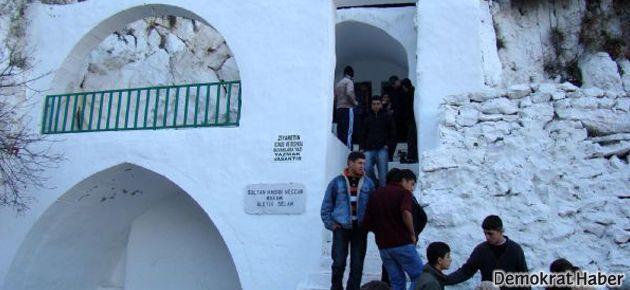 Aleviler 'Gadir-i Hum Bayramı'nda türbeleri doldurdu