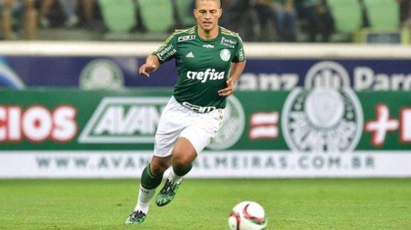 Alex De Souza jübile maçıyla futbola veda etti
