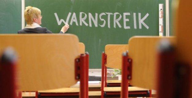 Almanya'da binlerce öğretmen greve gitti