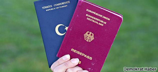 Almanya'da çifte vatandaşlığa ilk onay